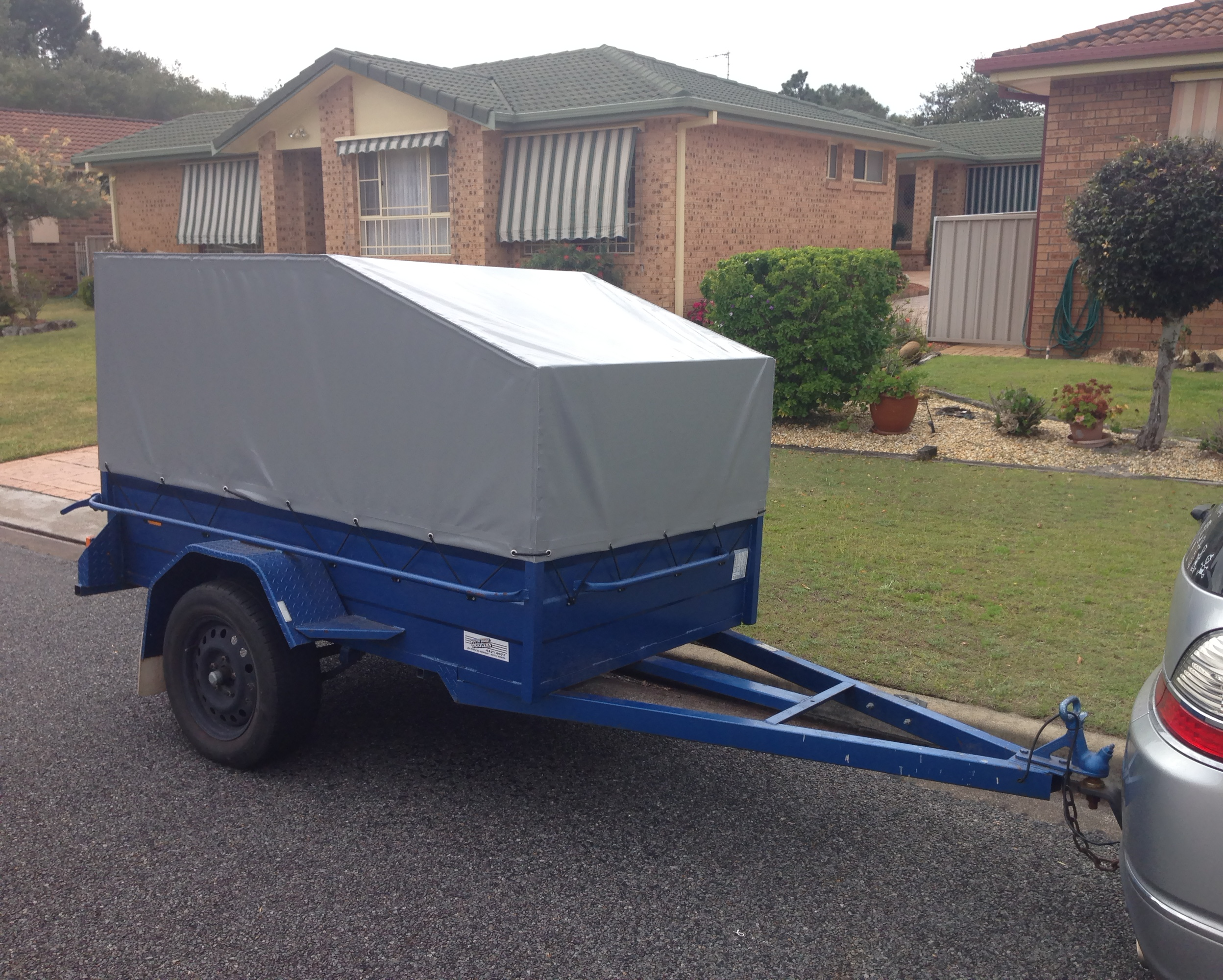Trailer fitted covers